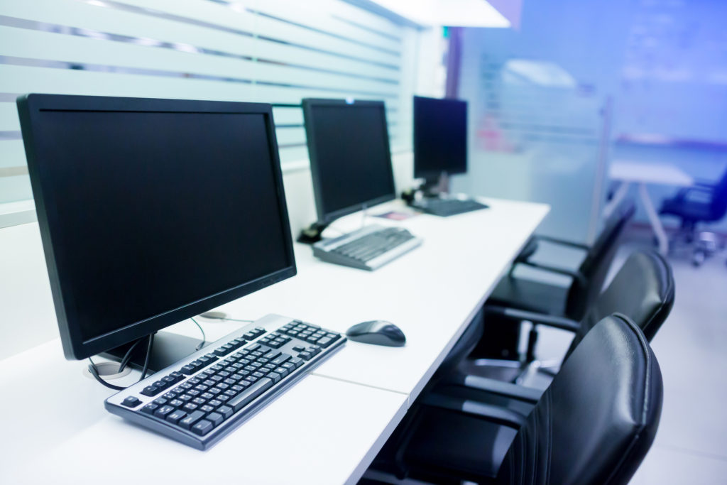 Tips for Choosing the Right Monitor for Your Office PCs